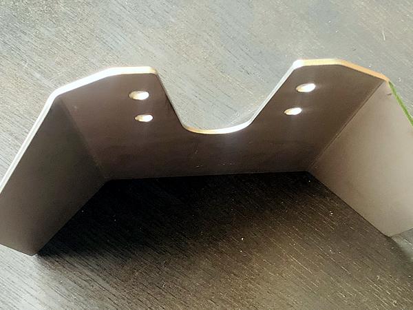 厚みは2mmのステンレス板