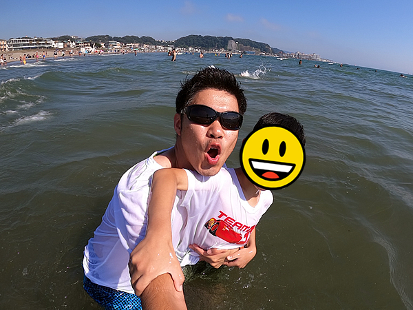 GoProを使い海で自撮り写真撮影