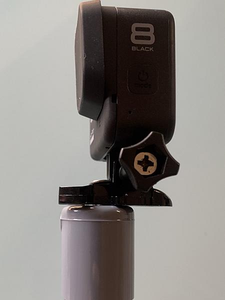 塩ビパイプ製のカメラマウントを横から見る