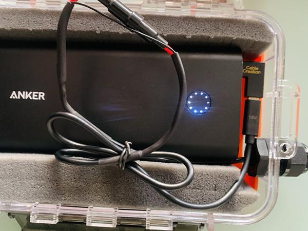 Anker PDモバイルバッテリーを防水ケースに入れる配線